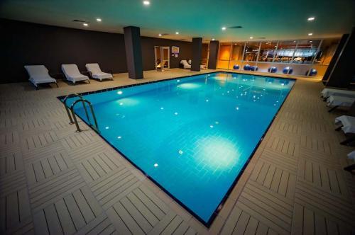 yenimahalle-tzob-hotel-havuzu